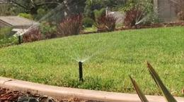 Irrigatori statici e aggiornamento con MP Rotator: Convertire gli irrigatori standard con MP Rotator per renderli più efficienti